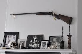 Chekov.Rifle on Mantle
